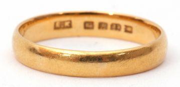 22ct gold wedding ring, plain polished design size J/K, 2.3gms