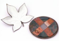 Mixed Lot: Edelmetall Denmark sterling modernist white enamel leaf pin brooch, together with an