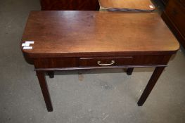 18TH CENTURY MAHOGANY FOLD-TOP TEA TABLE WITH SINGLE FRIEZE DRAWER AND CHAMFERED SUPPORTS, 94CM