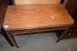 EARLY 19TH CENTURY MAHOGANY TEA TABLE, PLAIN FRIEZE AND TAPERING SQUARE SUPPORTS, 92CM WIDE