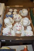 BOX CONTAINING MIXED CHINA CUPS AND SAUCERS
