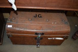 VINTAGE TIN TRUNK INITIALLED JG, 67CM WIDE