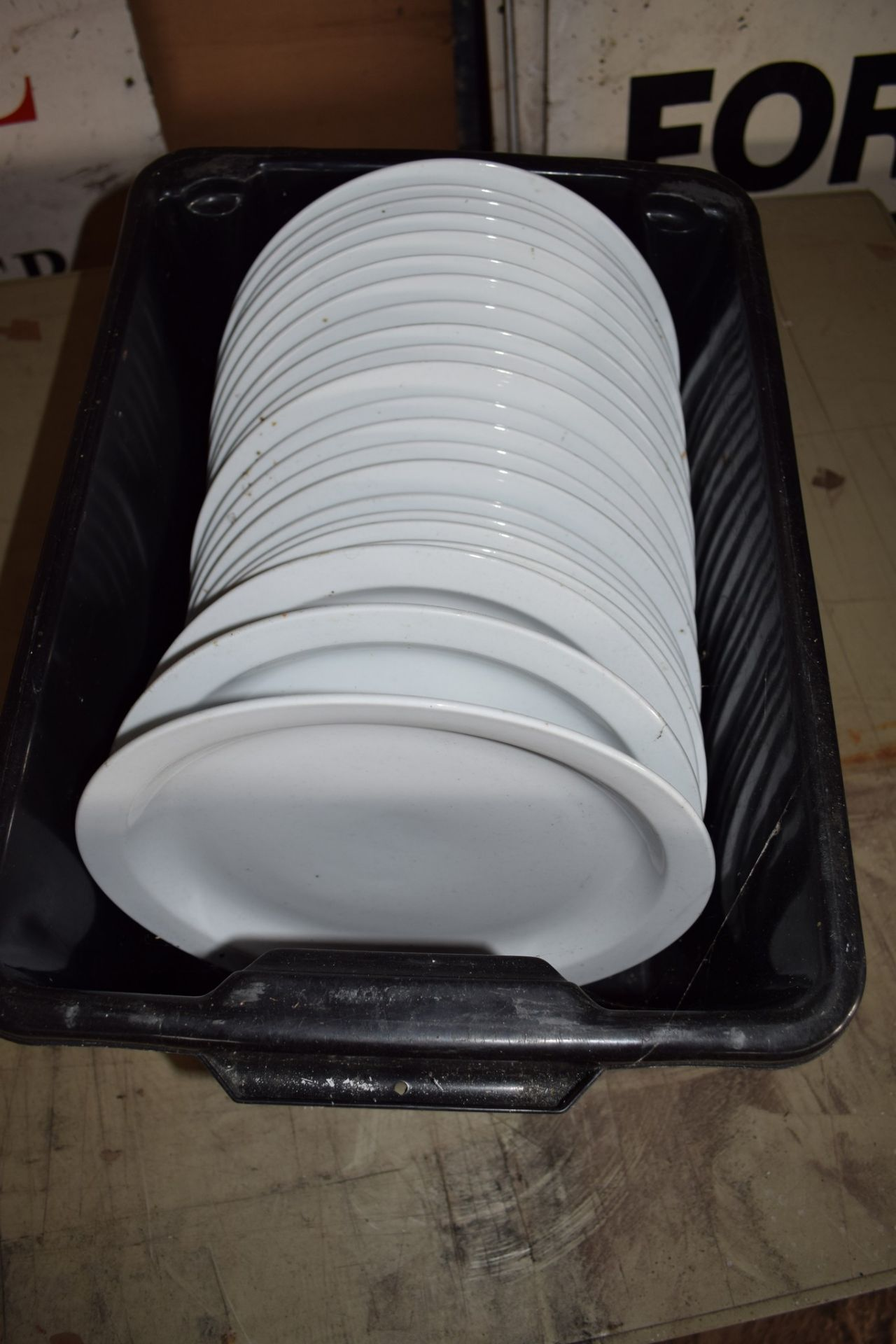 Crate: approx 22 oval Serving Plates.