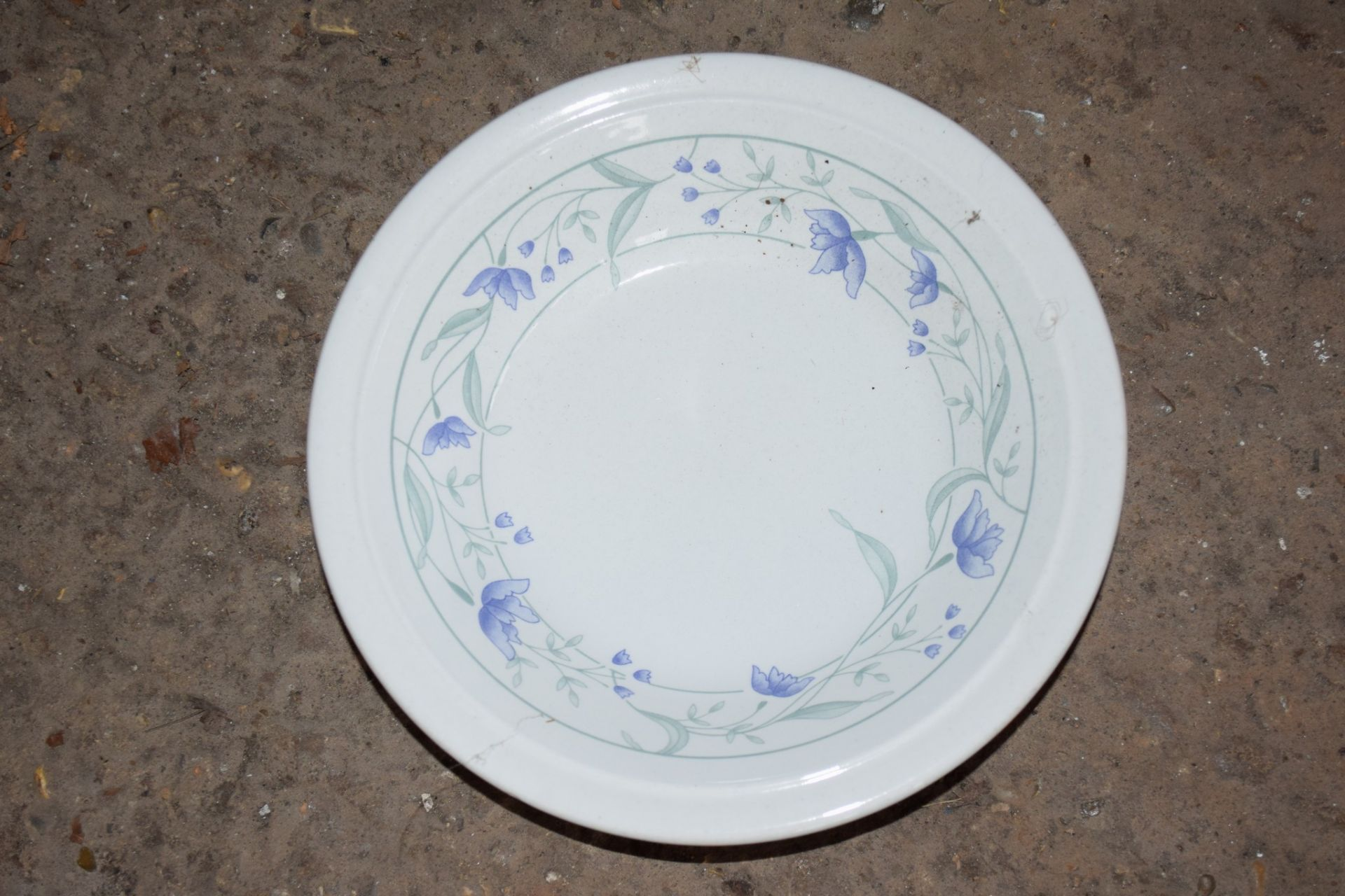 Crate: 33 floral decorated Bowls. - Image 2 of 2
