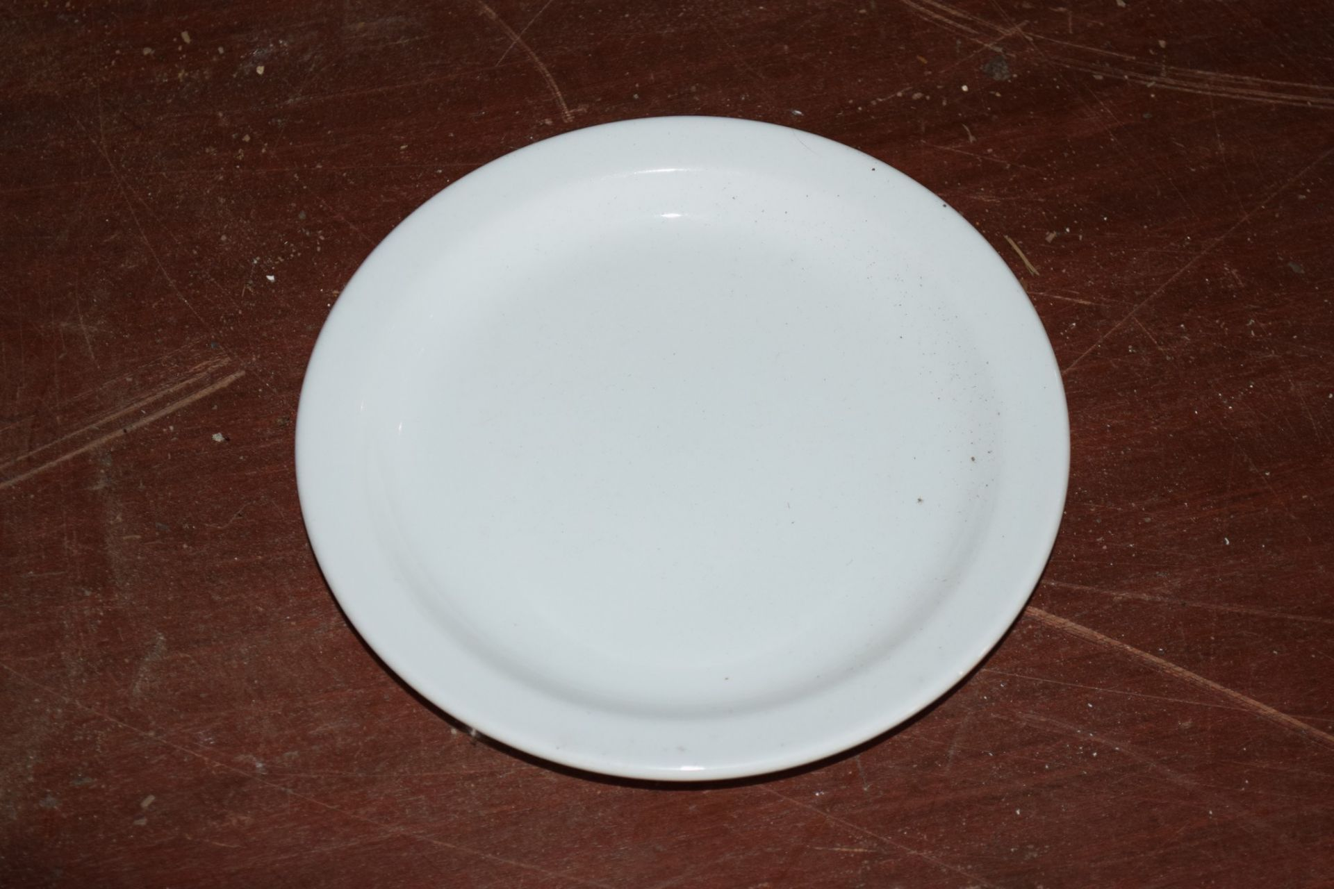 Crate: approx 30 white Side Plates. - Image 3 of 3