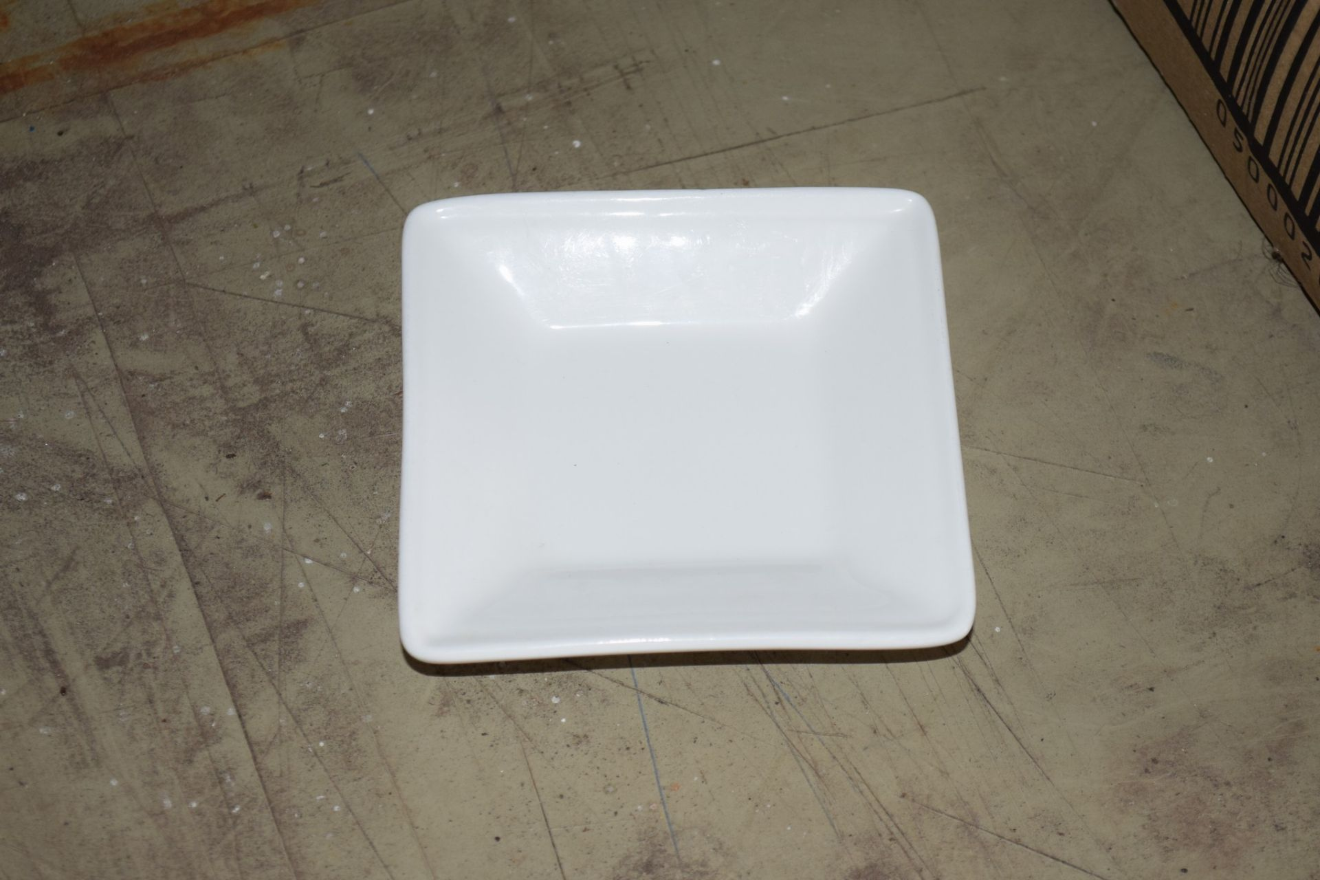 Crate: approx 23 square Serving Bowls. - Image 3 of 3