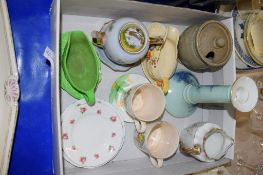 BOX CONTAINING VARIOUS CHINA ITEMS