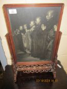 ORIENTAL TYPE TABLE SCREEN INSET WITH A PRINT DEPICTING RELIGIOUS SCENE, 35CM WIDE