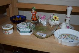 GROUP OF CERAMICS INCLUDING AN AYNSLEY SHAPED DISH, SMALL POTTERY SITZENDORF MODEL OF A YOUNG GIRL