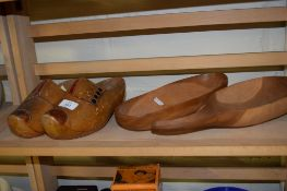 PAIR OF DUTCH STYLE CLOGS AND TWO WOODEN SERVING IMPLEMENTS