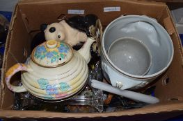 BOX CONTAINING VARIOUS CHINA INCLUDING A DECO STYLE TEA POT AND TWO GLASS CANDLESTICKS ETC