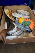BOX CONTAINING QUANTITY OF CHINA DINNER WARES