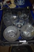 BOX CONTAINING VARIOUS GLASS WARES