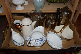 TRAY CONTAINING VARIOUS ITEMS OF SILVER PLATE AND POTTERY