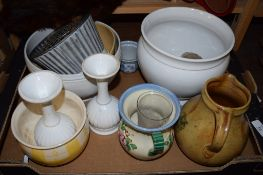 TRAY CONTAINING VARIOUS POTTERY ITEMS INCLUDING PAIR OF WHITE POTTERY VASES