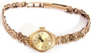 Ladies last quarter of 20th century 9ct gold cased Avia wrist watch with 17-jewel Incabloc