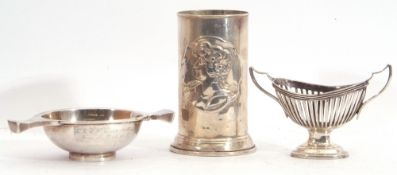 Mixed Lot: Edward VII small silver quaich of shallow form on collet foot, with two shaped lug