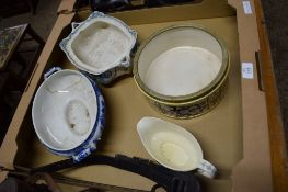 BOX CONTAINING VARIOUS POTTERY ITEMS INCLUDING BOWL WITH PLATED RIM