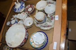CERAMIC ITEMS INCLUDING A DESSERT BOWL AND COVER BY COALPORT IN A BLUE AND WHITE DESIGN
