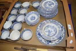 BOX CONTAINING TEA WARES IN THE YUAN PATTERN BY WOOD & SONS, INCLUDING CUPS, SAUCERS, SIDE PLATES