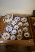 BOX CONTAINING QUANTITY OF LATE 19TH CENTURY TEA WARES, LONDON SHAPE CUPS AND SAUCERS WITH IMARI