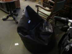 "MODERN ""SQUASHY"" CHAIR"