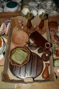BOX CONTAINING ITEMS OF TREEN AND POTTERY INCLUDING TWO WOODEN CANDLESTICKS WITH BRASS MOUNTS