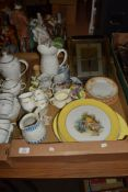 BOX CONTAINING CERAMIC ITEMS, TEA WARES AND JUGS AND A GROUP OF DINNER PLATES WITH RUSTIC SCENES