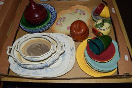 BOX CONTAINING VARIOUS CERAMIC ITEMS, SERVING DISHES, CUPS AND SAUCERS ETC