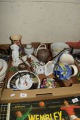 BOX CONTAINING CERAMIC ITEMS, VASES, MONEY BOX, SMALL ORIENTAL GINGER JAR AND COVER