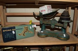 METAL MINCING MACHINE WITH SET OF SCALES AND WEIGHTS