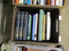 BOX OF BOOKS INCLUDING COUNTRY HOUSES
