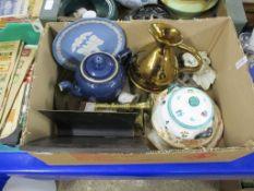 CERAMIC ITEMS INCLUDING WEDGWOOD JASPERWARE DISH, PAIR OF BRASS CANDLESTICKS