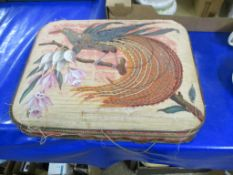 BOX WITH EMBROIDERED BIRDS TO COVER