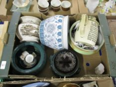 TRAY CONTAINING CERAMIC ITEMS INCLUDING A ROYAL DOULTON JUG IN THE WALTON WARE FISHING PATTERN