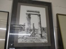 PRINT OF ROMAN RUINS IN SILVER FRAME