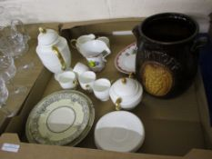 TRAY CONTAINING CERAMICS INCLUDING A WEDGWOOD PART COFFEE SET COMPRISING FIVE CUPS, SAUCERS, SUGAR