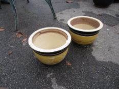 PAIR OF SMALL GLAZED PLANTERS, EACH APPROX 30CM DIAM