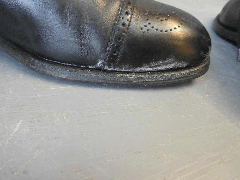 Lot 254 - Pair of gents black leather 'Loake England' semi brogues, very good condition size 8 & pair of black