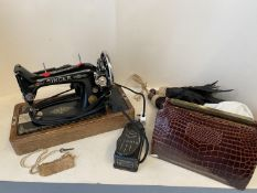 1923 Singer electric sewing machine in oak case see images for serial number.