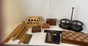 Qty of vintage measuring rulers, sticks, some Boxwood, a wooden set of brass gram weights, a