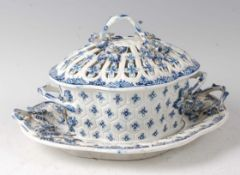 A Lowestoft porcelain chestnut basket and cover on stand, circa 1775-1885, underglaze blue decorated
