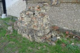 Cambridge White Bricks (Approx. 250)Condition report: see additional image