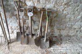 5 x Wooden Handle Spades