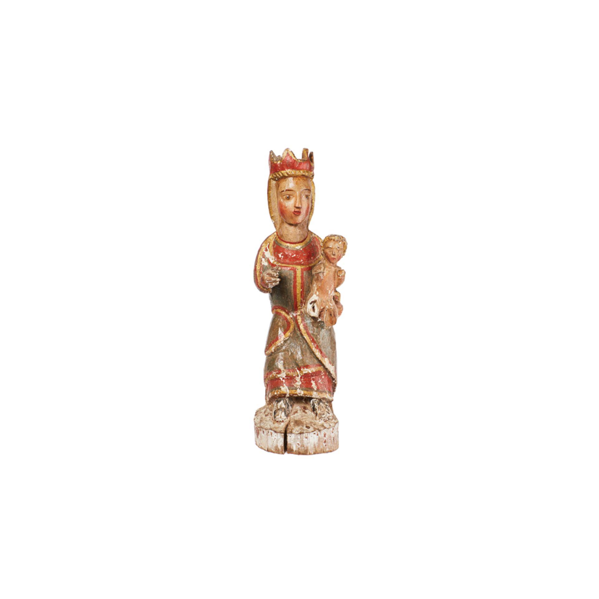 Los 5 - Escuela catalana, s.XIII. Virgen con Niño. Escultura románica en madera tallada y policromada.