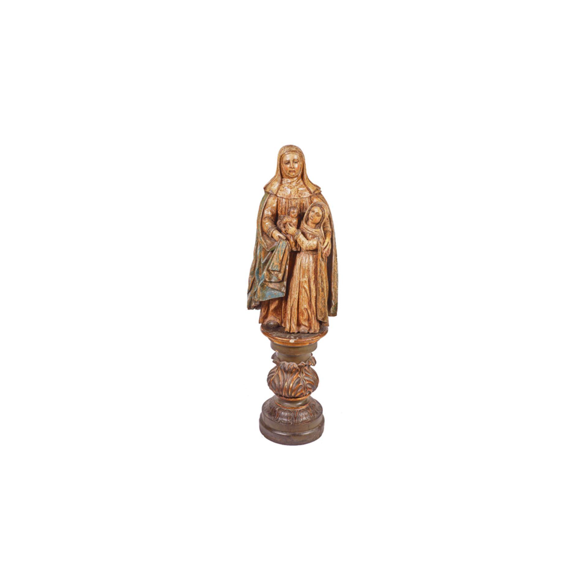 Los 9 - Escuela española, s.XVI. Santa Ana, la Virgen y el Niño. Escultura en madera tallada y policromada.