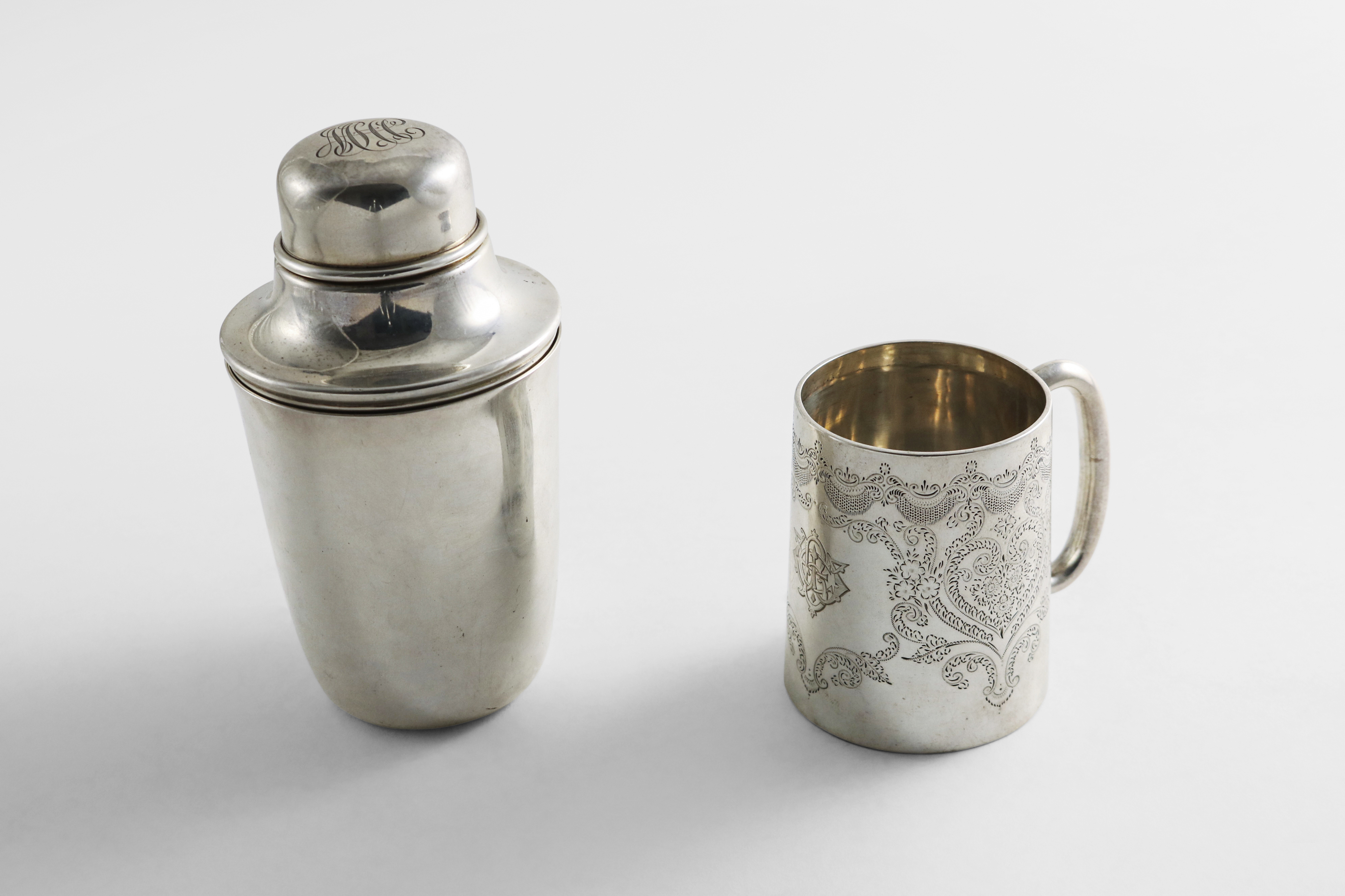 Lot 25 - AN EARLY 20TH CENTURY NORTH AMERICAN SILVER BEAKER by Tiffany & co. (a reproduction of an original