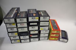 BACHMANN & HORNBY ROLLING STOCK various boxed Bachman items including 38-141 Box Van, 38-140 Box