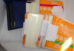 Lot Briefmarkenzubehör, dabei 2 Briefealben, 2 Kabe Binder, sowie Vordruckblätter Safe dual. Dabei: