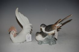 LLADRO FIGURE OF TWO BIRDS, TOGETHER WITH A LLADRO FIGURE OF A CHICKEN